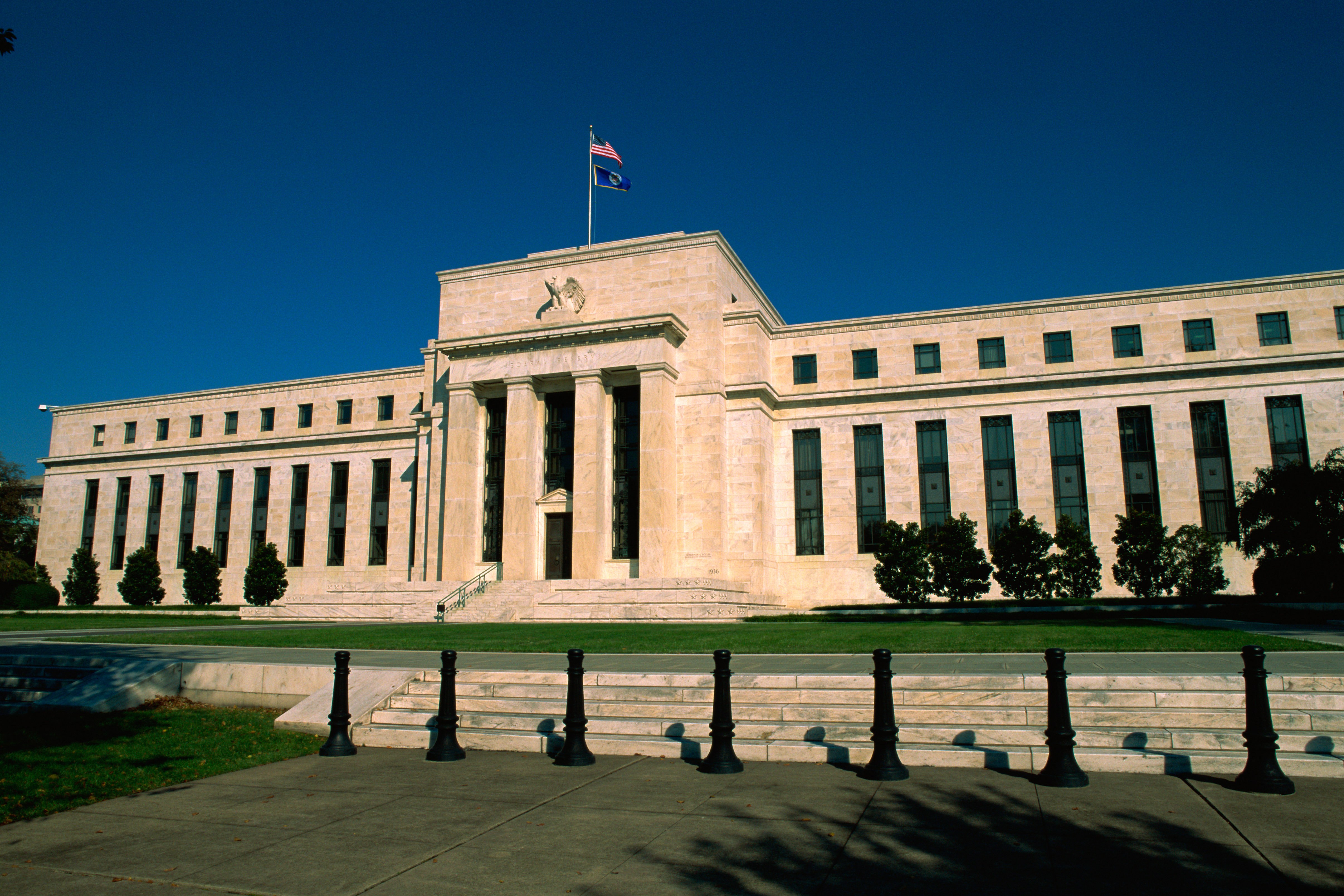 role of federal reserve in casuing the The federal reserve system is america's central bank it uses monetary policy to prevent inflation and reduce unemployment the federal reserve system is america's central bank that makes it the most powerful single actor in the us economy and thus the world.