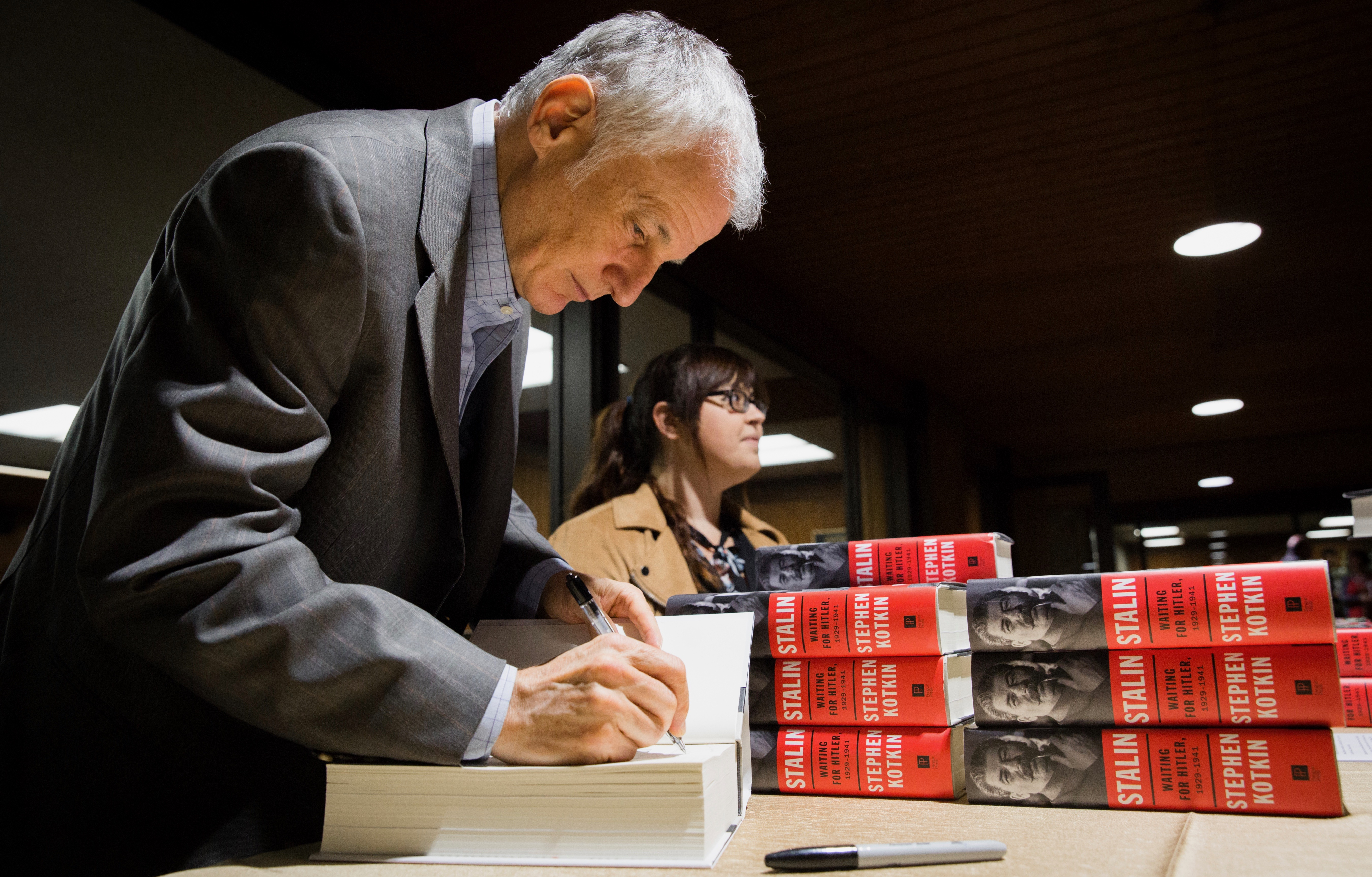 Stephen Kotkin signing his published book Stalin: Waiting for Hitler, 1920-1941