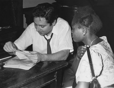 Bill Scheinman, shown counseling a student at the 1959 orientation